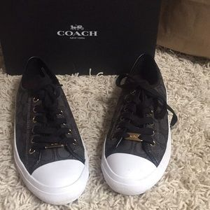 Coach Women's Sneakers Sz 8.5 🥰